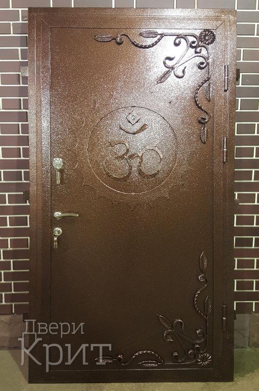 дверь входная из листового железа